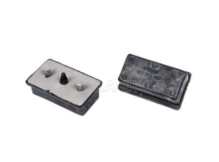 Подушка рессоры передней под металл (нижняя) Iveco III
